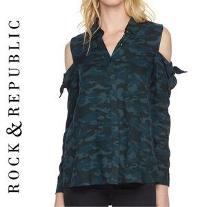 Rock Republic green camo cold shoulder shirt XL